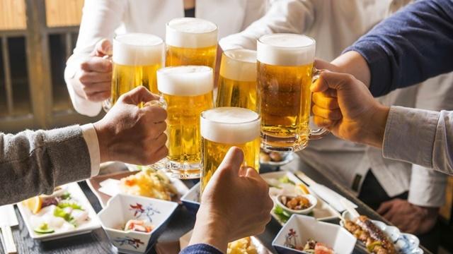 Uống rượu bia, thói quen sinh hoạt không lành mạnh ảnh hưởng đến khả năng sinh lý ở nam giới