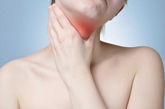 Thảo dược lành tính có tác dụng rất tốt cho việc đẩy lùi viêm họng ở người lớn